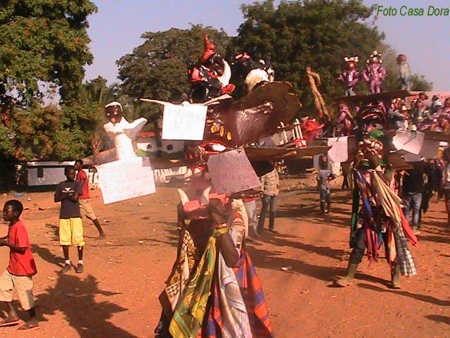 Carnevale Bubaque Trampoli